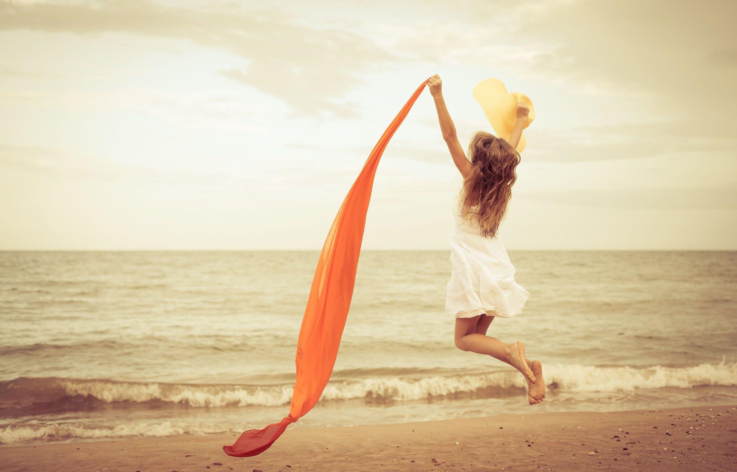 Веселье девушек на пляже фото фото 402-914