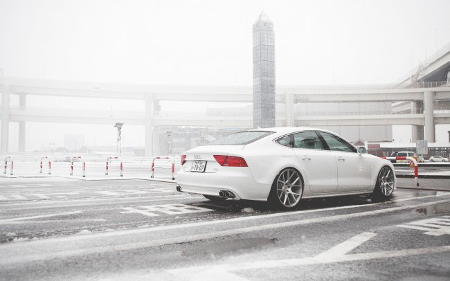 Audi A7 on Vossen White