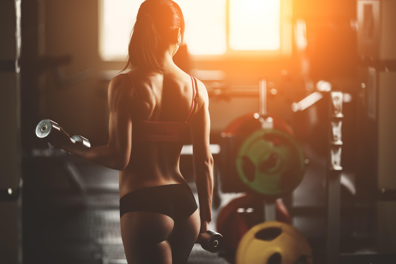 фото фитнес девушек с пухлыми попками