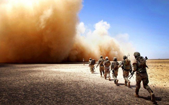 Солдаты попали в бурю