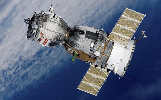 Союз ТМА-7 - пилотируемый космический корабль