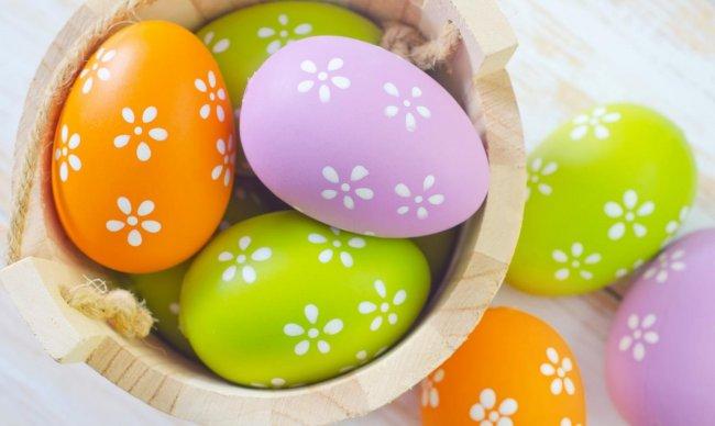 Красивые разноцветные пасхальные яйца