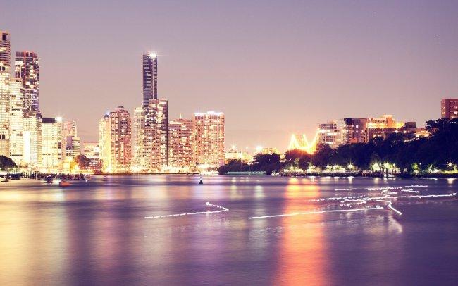 Небоскребы вечернего города