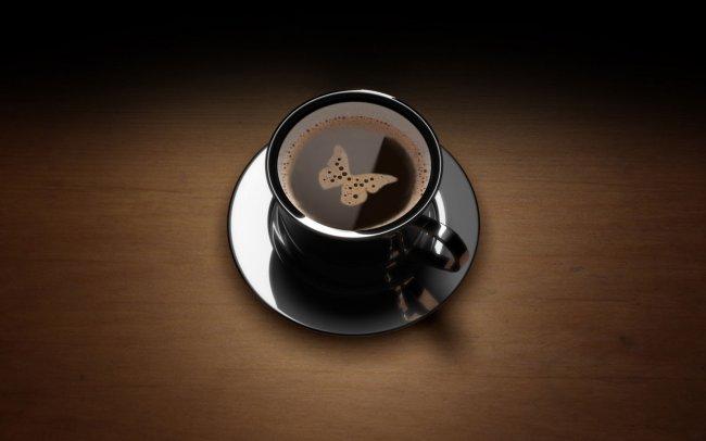 Кофе с пенкой в виде бабочки
