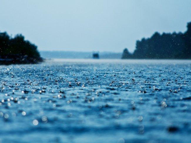 Дождь на воде