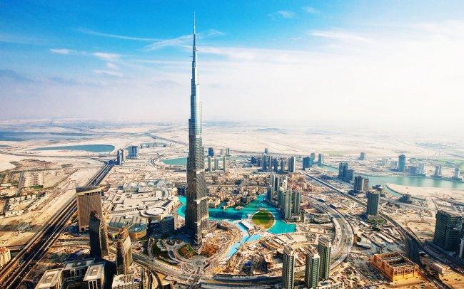 Административный центр в Дубаях / ОАЭ