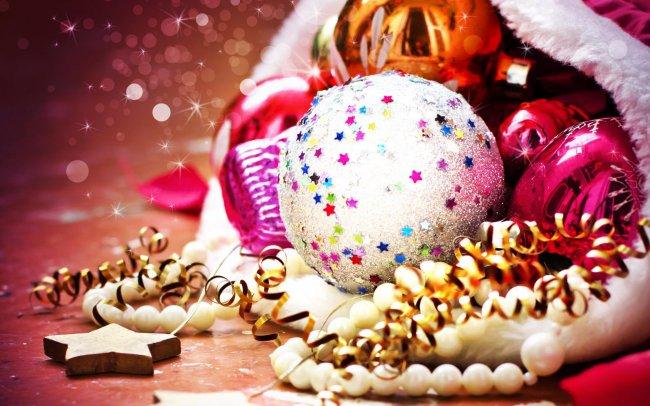 Новогодние елочные украшения в мешке