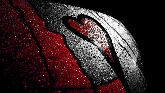 Сердце на запотевшем стекле