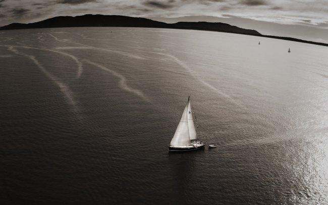 Яхты в море