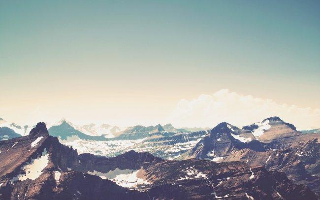 Горная цепь в национальном парке Глейшер, Монтана, США
