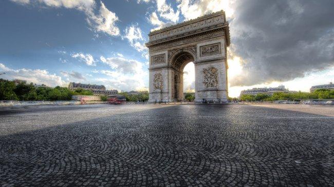 Триумфальная арка на площади Шарля де Голля, Париж
