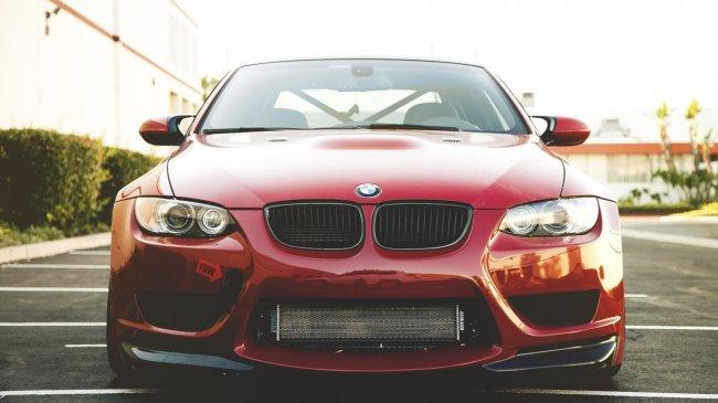 Красная BMW M3