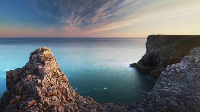 Морские скалы Пемброк
