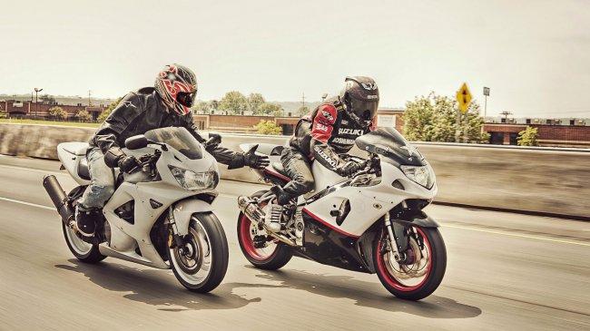 Honda CBR 929RR и Suzuki GSX-R 750