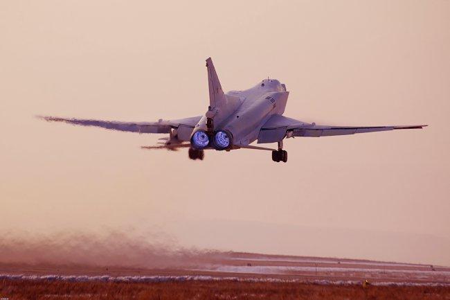 Дальний сверхзвуковой бомбардировщик-ракетоносец Ту-22М