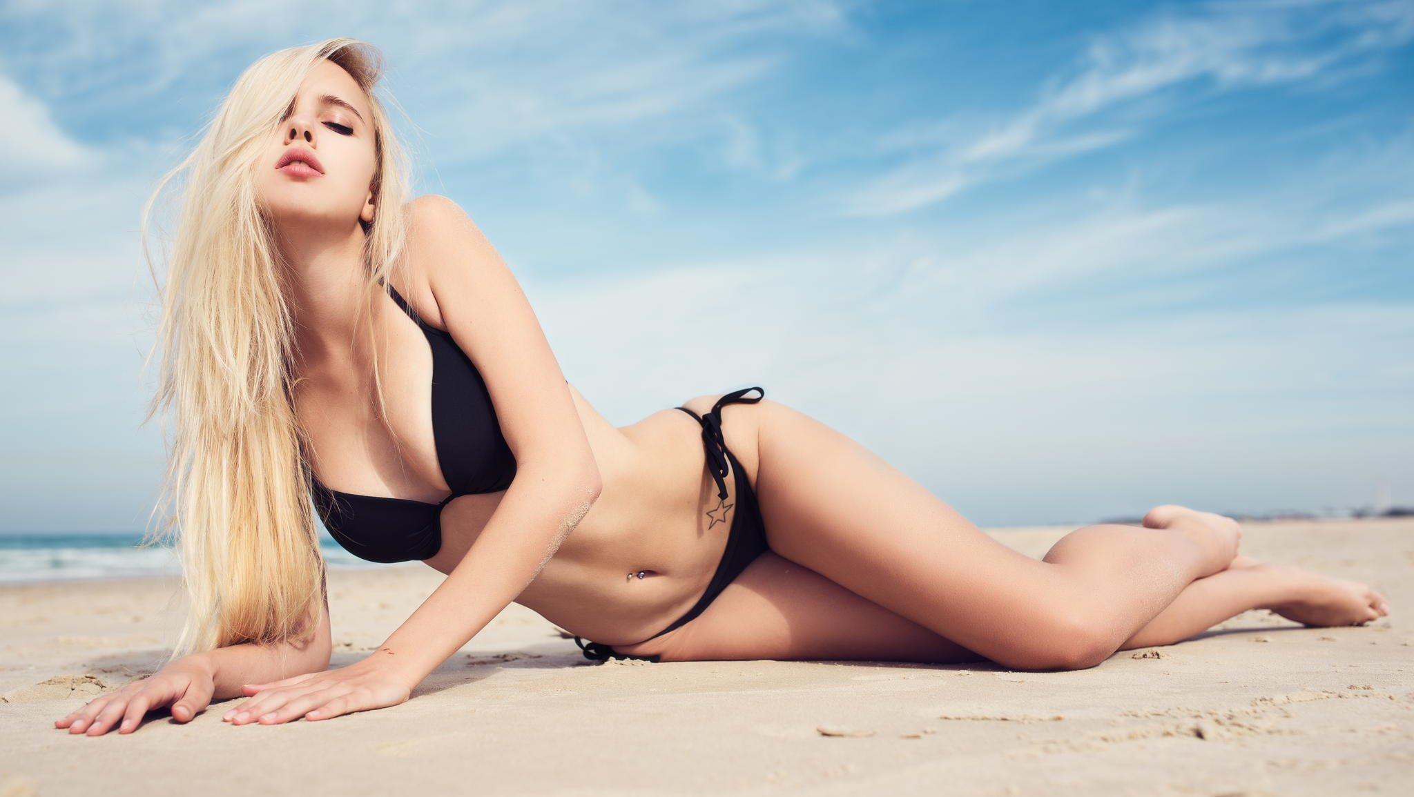 bikini-girl-in-distress