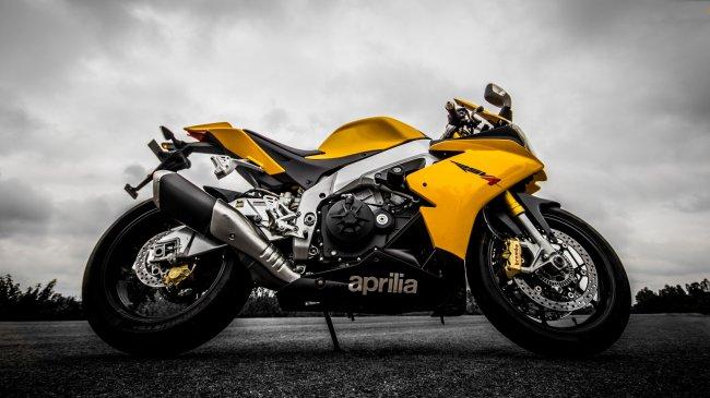Мотоцикл Aprilia RSV4