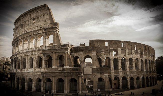 Римский Колизей в Италии