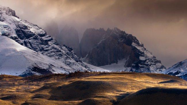 Горный хребет в Андах