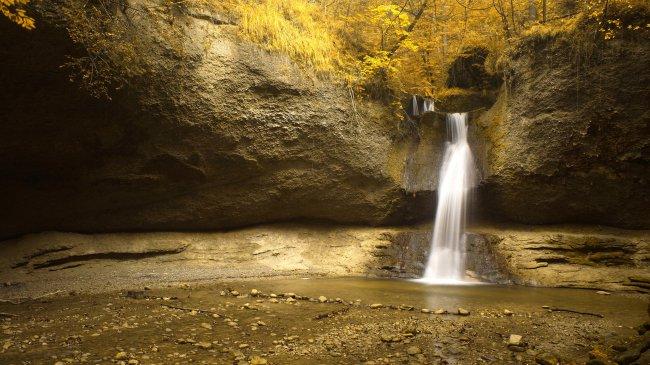 Водопад в Kemptthal, Швейцария