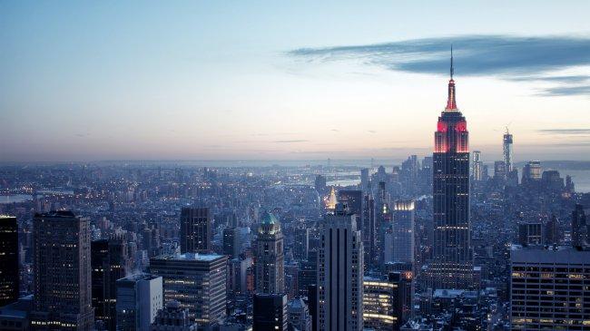 Эмпайр-стейт-билдинг небоскрёб в Нью-Йорке, США