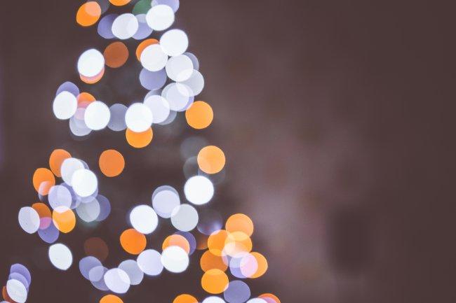 Блики от новогодней елки