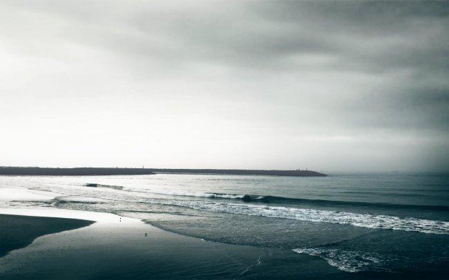 Берег моря перед штормом
