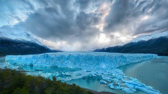 Ледник Перито-Морено в национальном парке Лос-Гласьярес