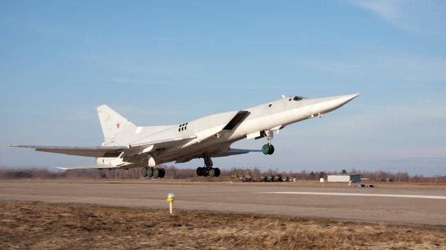 Сверхзвуковой ракетоносец-бомбардировщик Ту-22М