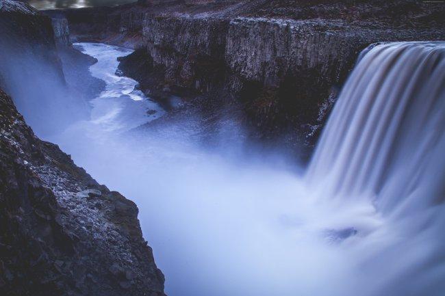 Водопад Деттифосс на реке Йёкюльсау-ау-Фьёдлюм в Исландии