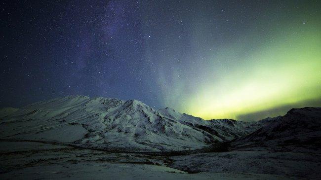 Млечный путь над горами