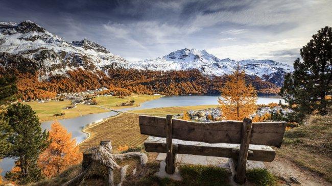 Энгадин регион в швейцарском кантоне Граубюнден
