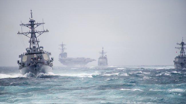 Крейсеры и Авианосец Джордж Буш в Атлантическом океане