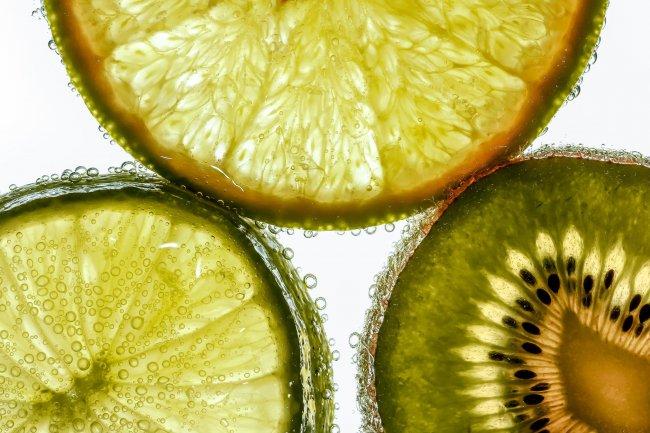 Лайм, апельсин и киви