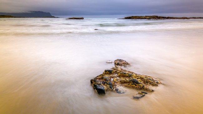 Флакстад пляж на Лофотенских островах, Норвегия