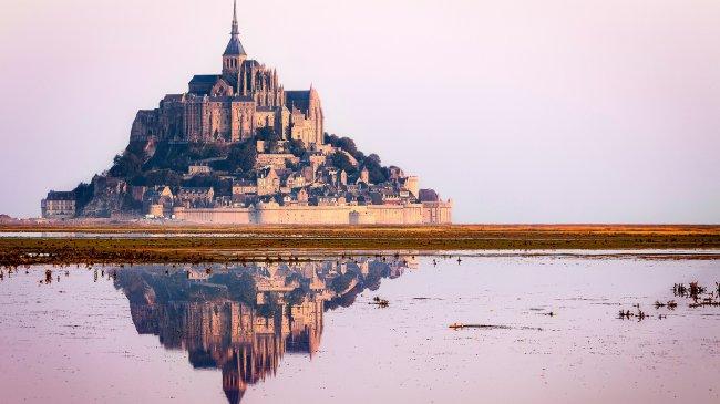 Остров-крепость Мон-Сен-Мишель, Франция