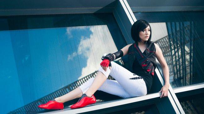 Amie Lynn косплей на игру Mirror's Edge: Catalyst