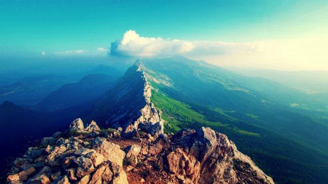 Вершина горного хребта