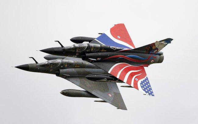 Многоцелевые истребители Dassault Mirage 2000