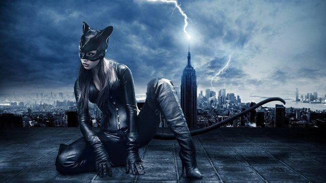 Селина Кайл в образе женщины-кошки