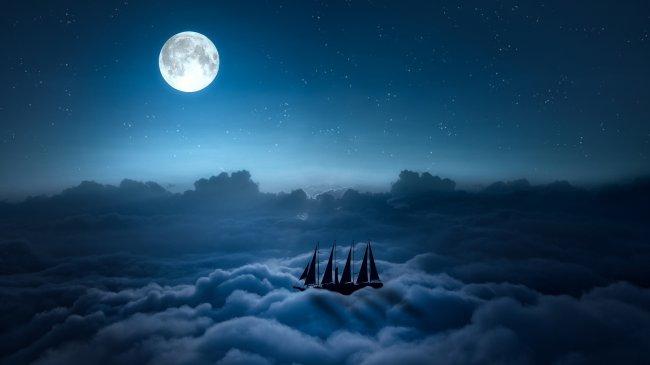 Корабль плывущий в небе на облаках