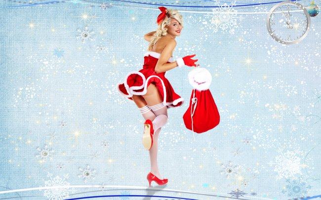 Блондинка в белых чулках, с мешком новогодних подарков