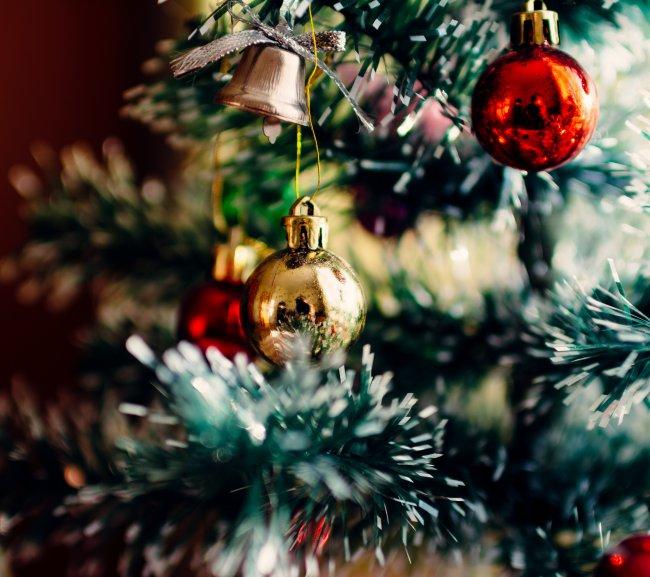 Новогодние украшения на елке