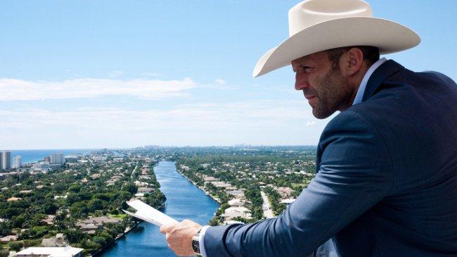 Jason Statham в ковбойской шляпе