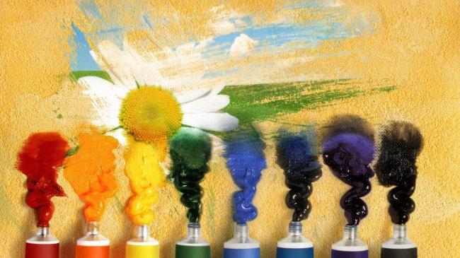 Разноцветные тюбики с краской