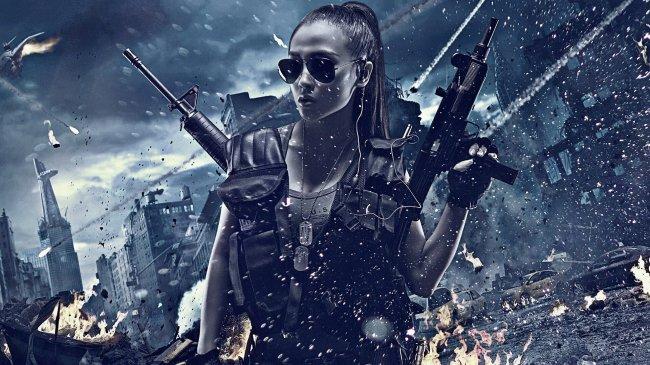 Девушка с оружием