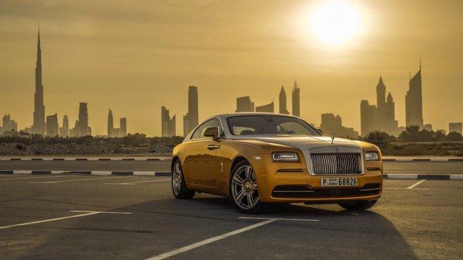 Жёлтый Rolls Royce