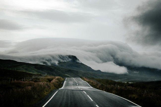 Горная дорога в Шотландии