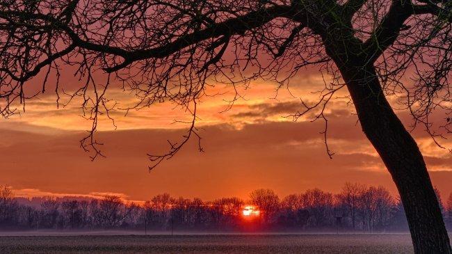 Вечерний закат солнца