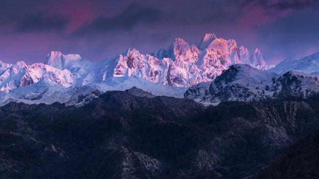 Гора Торре-де-Серредо в Испании